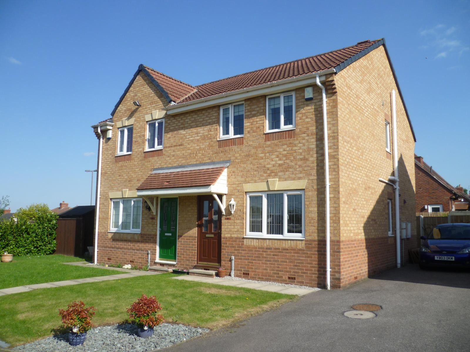 Laurel court ryhill wakefield wf4 3 bedroom semi ebay for Modern house zoopla