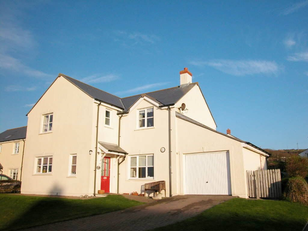 Swanswell close broad haven haverfordwest sa62 4 ebay for Modern house zoopla